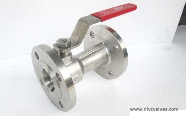 Single/One Piece Design Regular Bore/Reduce Port Flanged End Ball Valve, Pressure Rating Class 150/300,Hand Lever Operated, Body Material A216 GR WCB-Carbon Steel /CF8-SS304/CF8M-SS316/CF3-SS304L/CF3M-SS316L/D2205-Duplex Steel/CN7M-Alloy20/Hast Alloy C-22/C276